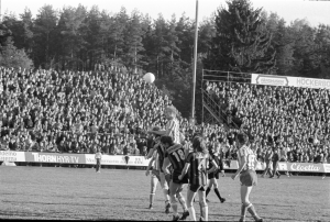 BK Derby spelade i Allsvenskan  1977. Här en möter Derby IFK Göteborg på Folkungavallen. Foto: Arne Gustafsson/Östergötlands museum